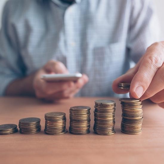 Anúncio da inflação oficial pode aumentar valor do salário mínimo